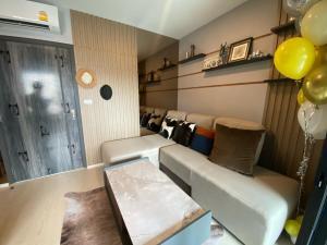 ขายคอนโดอ่อนนุช อุดมสุข : ขาย Elio del nest 1ห้องนอน วิวสระ ฟรีเฟอร์ ฟรีโอน ไม่ต้องดาวน์ โทร:086-888-9328