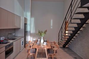 For SaleCondoSilom, Saladaeng, Bangrak : Final Call Price !! The Loft Silom 2-bedroom project, 17.5 million baht only, call 092-2628892.