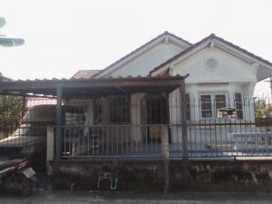For SaleHouseBang kae, Phetkasem : Cheap single-storey house for sale, Phutan Phetkasem Village, 81 after the corner of the car park in front of the house.
