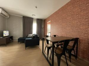For SaleCondoBangbuathong, Sainoi : ขายพลัมบางใหญ่ 2ห้องนอน ราคาถูกชั้น 6 ตำแหน่ง 613 อาคาร G เฟส2 ทิศตะวันตะวันออกเฉียงเหนือ ไม่ร้อน วิวในโครงการขนาด 46.23 ตรม