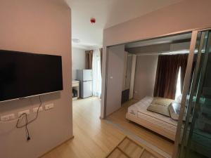 For RentCondoChengwatana, Muangthong : Beautiful room, good view, price must be reserved.