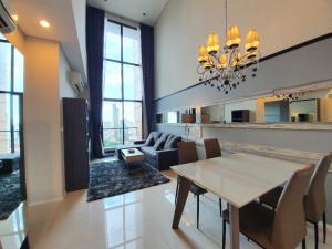 เช่าคอนโดพระราม 9 เพชรบุรีตัดใหม่ : ให้เช่าคอนโดโครงการ Villa Asoke, 2ห้องนอน Duplex ใกล้ MRT เพชรบุรี