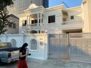 For RentHouseSukhumvit, Asoke, Thonglor : house for rent, 4 bedrooms, Sukhumvit36 near BTS Thonglor only 500 meters.