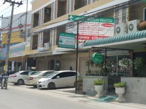 ขายตึกแถว อาคารพาณิชย์พัทยา บางแสน ชลบุรี : ขายอาคารพาณิชย์ในพัทยา หน้าตลาด ไร่วนาสินธุ์ 2 คูหา ซอยสยามคันทรีคลับ ราคา 10.5 ล้านบาท