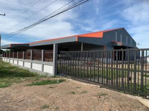 For SaleFactoryPhra Nakhon Si Ayutthaya : Land for sale with warehouse. Product showroom, area 7 rai 2 ngan, Lat Bua Luang District, Ayutthaya Province, land for sale with warehouse - Land size 7 rai 2 ngan - 2 storey warehouse size 55 × 43 = 2,365 sq m - Showroom + office 25 × 6 = 150 sq m.Coord