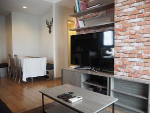 ขายคอนโดลาดพร้าว เซ็นทรัลลาดพร้าว : Condo Chapter One Midtown Ladprao 24 ใกล้ MRT ลาดพร้าว 2 ห้องนอน 2 ห้องน้ำ วิวโล่ง ห้องมุม เฟอร์ครบ