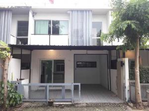 For RentTownhouseLadprao 48, Chokchai 4, Ladprao 71 : 2-storey townhouse for rent Nak Niwat 48, ready to move in 088-950-9375.