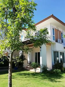 ขายบ้านระยอง : เจ้าของบ้านขายเอง ทำเลดี ไม่ไกลจากศูนย์ราชการ ใกล้เซเว่นและ ปั๊มเปิดใหม่This is my own house in Rayong, please contact me here. For Sale 5.19 million baht For Rent  29,000 baht/month