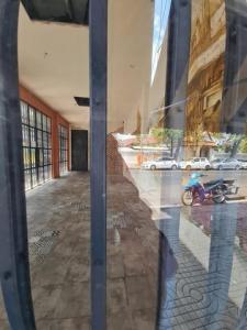 เช่าพื้นที่ขายของเยาวราช บางลำพู : BS638ให้เช่าร้าน 42 ตรม.ติดถนนมหาราช เขตพระนคร เหมาะทำเป็นร้านคาเฟ่