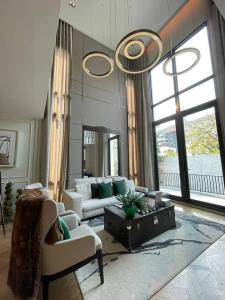 For SaleHouseAri,Anusaowaree : Selling: Luxury House In Ari