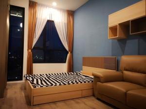 For RentCondoRamkhamhaeng, Hua Mak : Nightbridge Collage Ramkhamhaeng 22 sqm 9th floor 7,500 baht 064-959-8900
