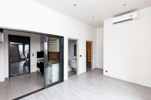 For SaleCondoOnnut, Udomsuk : Very cheap price The line sukhumvit 101 The Line BTS Punnawithi 2 bed 48 sq m price 8.9 minus Negotiable ceiling height 3 meters