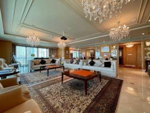 เช่าคอนโดวิทยุ ชิดลม หลังสวน : BTS Ratchadamri – Luxury Residences 3bedroom for Rent
