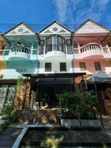 For SaleTownhouseChiang Mai, Chiang Rai : Building for Commerce / Townhouse in Center of Chiang Mai City