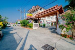 "For SaleBusinesses for saleHua Hin, Prachuap Khiri Khan, Pran Buri : FOR SALES: The 27-room Apartment Complex ""Prema Ayara"" Huahin, Prachuabkirikhan, Thailand"
