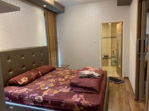 For SaleCondoChiang Mai : C133NS Urgent sale !! The Treasure Condominium, a family room near Zen Phase 2 bedrooms.