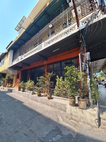 For RentShophousePha Nakorn, Yaowarat : Commercial building for rent, 1st floor, 42 sq.m., Wat Phra Kaew district, Phra Nakhon district, suitable as a cafe Near MRT Sanam Chai