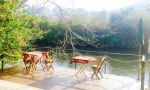 For SaleHouseKanchanaburi : ** Land and house for sale in Sai Yoke District, Kanchanaburi Province, an area of 2 rai and a 6 meter waterfront area, overlooking both the garden view and the river view (Kwai Noi) is the # P-Chapter 5, a cottage style house with 2 Bedroom 2 bathroom