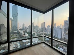 For SaleCondoSilom, Saladaeng, Bangrak : Condo for sale ready in the heart of Silom Ashton Silom 2 bedrooms large