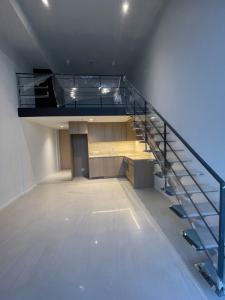 ขายคอนโดสีลม ศาลาแดง บางรัก : 1 ฺBedroom High Ceiling Hybrid คอนโดหรูใจกลางเมืองบนพื้นที่ทำเลทองย่านสีลม