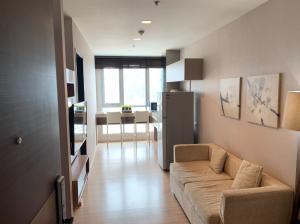 For RentCondoSathorn, Narathiwat : Condo for rent Rhythm Sathorn 10th floor AOL-F80-2102003390