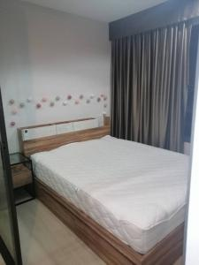 For RentCondoPinklao, Charansanitwong : Condo for rent, Life Pinklao, size 27 sqm. 1 bedroom, 1 bathroom, washing machine 10,000 / month, new room, never had 4 people.