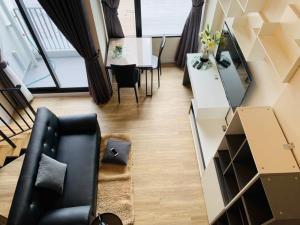 For RentCondoNawamin, Ramindra : 🔥 For Rent Blossom Condo @ Fashion, Loft room, 2 floors, 26 sqm., 17th floor, new room, ready to move in.