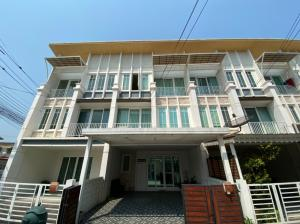For SaleTownhouseRama5, Ratchapruek, Bangkruai : Ready to move in !! 3-storey townhome for sale with furniture, Golden Town Pinklao - Charansanitwong (Golden Town Pinklao-Charansanitwong), good location near the central park !!! Area 22.60 square wa