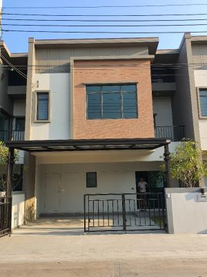 For SaleTownhouseRama5, Ratchapruek, Bangkruai : Verve Rama 5 (Rama 5 Road), width 7.9 meters, 4 bedrooms, 3 bathrooms, next to the garden project.
