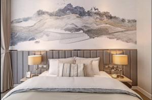 For RentCondoWitthayu,Ploenchit  ,Langsuan : Discount 🔥 Magnolias Ratchadamri Boulevard 2 bed 2 bath 59 Sqm. Beautiful room, complete electrical appliances 095-249-7892