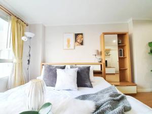 For SaleCondoOnnut, Udomsuk : For sale Lumpini Ville Sukhumvit 77 Condominium Studio room 31 sqm. 17th floor near BTS On Nut