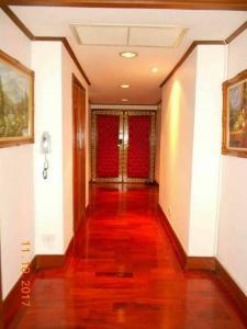 ขายคอนโดเกษตรศาสตร์ รัชโยธิน : ขายคอนโด สายลม สวิท ชั้น24 (ซอย ซูซูกิ) ถนนเสนานิคม1  159.80ตร.ม  3ห้องนอน  11,000,000บาท