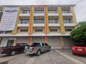 For SaleShophouseBangna, Lasalle, Bearing : Selling a commercial building, 18 square wa. 3.5-storey high, along Suksawat Road in front of Chanakan University, comfortable parking, suitable for business