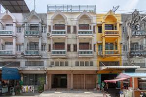 For SaleShophouseBang kae, Phetkasem : Sale of commercial buildings, 2 booths, Soi Petchkasem 63-1, area of 32 sq m.