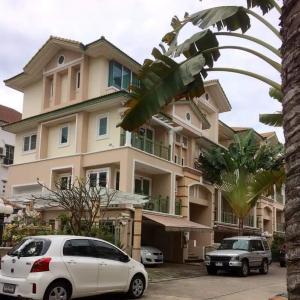 For RentTownhouseYothinpattana,CDC : For rent Townhouse Crystal Ville Soi Yothin Phatthana.