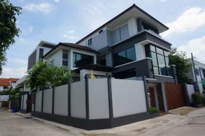 ขายบ้านรัชดา ห้วยขวาง : ขายบ้านเดี่ยว 3 ชั้น หมู่บ้านอยู่เจริญ ใกล้ MRT ศูนย์วัฒนธรรม