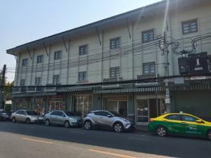 เช่าพื้นที่ขายของพระราม 8 สามเสน ราชวัตร : พื้นที่ให้เช่า ทำเลดี ใกล้โรงแรม เดอะระวีกัลยาฯ ติดถนนใหญ่และชุมชนย่านเทเวศร์