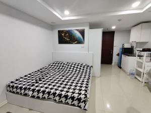 เช่าคอนโดรัชดา ห้วยขวาง : ให้เช่า  JW City Condominium ใกล้ MRT ลาดพร้าว ราคา 8,000 บาท