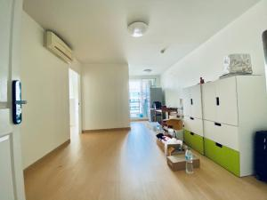 For SaleCondoOnnut, Udomsuk : M3236-Condo for sale at The Link Sukhumvit 64, near BTS Punnawithi, empty room, northeast view. Ready to move in