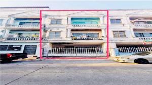 For SaleTownhouseBang kae, Phetkasem : Sold as is !! Suitable for renovating for residents 3.5-storey townhouse, Kanda Village 3, Soi Bang Khae 10