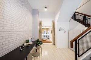 For RentHome OfficeSukhumvit, Asoke, Thonglor : Home office Home Office for rent near BTS Thonglor.