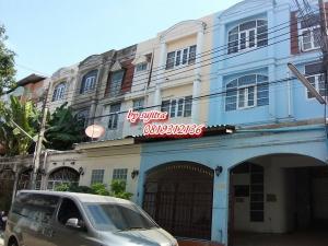 For RentShophouseRama9, RCA, Petchaburi : For rent, commercial building, 3 floors, 26 sq m. Near Central Rama IX Rd.