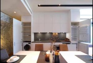 For RentCondoWongwianyai, Charoennakor : Super luxury condo for rent, next to the Chao Phraya River, BANYANTREE Residence.