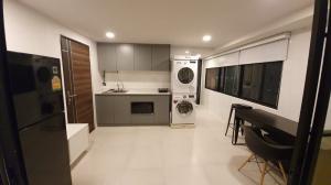 เช่าคอนโดรัชดา ห้วยขวาง : ให้เช่าคอนโด ศรีวรา แมนชั่น ขนาด 2ห้องนอน ใกล้ MRT ศูนย์วัฒนธรรม