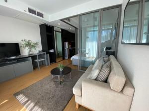 For RentCondoSilom, Saladaeng, Bangrak : Condo for rent, Siamese Surawong (MRT Sam Yan 500m), beautiful room, complete furniture and appliances.