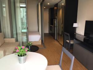 ขายคอนโดสีลม ศาลาแดง บางรัก : ขาย คอนโด Siamese Surawong 1ห้องนอน พร้อมเฟอร์ ราคาดีมากก MRT สามย่าน ใกล้จุฬาฯ