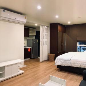 For RentCondoLadprao 48, Chokchai 4, Ladprao 71 : Condo for rent: The Pulse Soi Ladprao 44, near Central Ladprao, MRT Lad Phrao