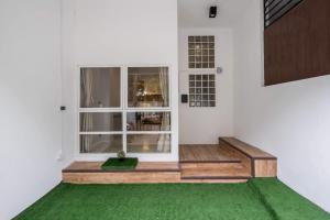 เช่าโฮมออฟฟิศสุขุมวิท อโศก ทองหล่อ : Home office for rent ขนาด 200 ตารางเมตร 4 ชั้นครึ่ง  8 ห้อง 3 ห้องน้ำ เลี้ยงสัตว์ได้ ใกล้ BTS ทองหล่อ 200 เมตร 60,000