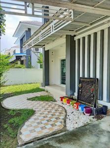 For SaleHousePinklao, Charansanitwong : Detached house near the Pinklao ring, Soi Wat Som Klang, 50 sq m.