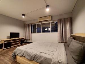 เช่าคอนโดแจ้งวัฒนะ เมืองทอง : ป๊อปปูล่าคอนโด อาคารเมืองทอง📍โซนตึกT10 ชั้น5 วิวนอก (ห้อง5/56) ขนาด 28 ตรม.